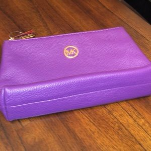 Michael kors make up pouch or bag ! Brand new